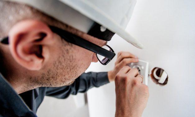 Les professionnels comparent les offres d'énergie grâce à un courtier